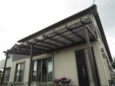 施工後:タカショーのテラス屋根「ポーチガーデン」