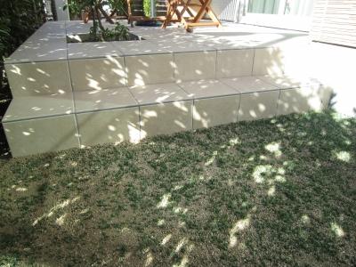 人工芝でメンテナンス要らずのお庭にリフォーム