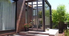 ガーデンルームとテラスの<br /> 広いお庭にリフォーム