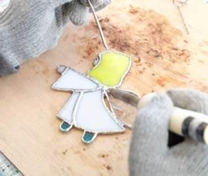 ステンドグラス「天使」ハンダ作業の様子