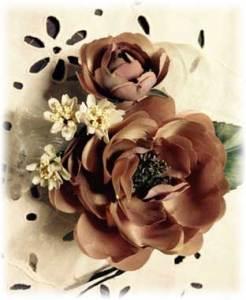 大人かわいい布花のコサージュのサンプル