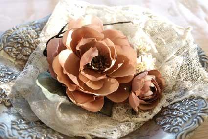 布花のコサージュのサンプル