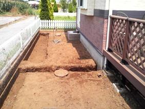 土のすき取りを終えたところ