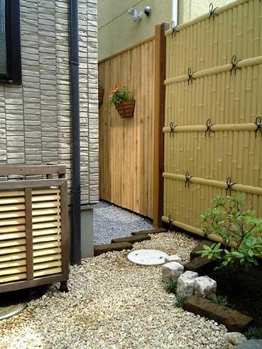 メンテナンスフリーの人工竹垣のフェンス