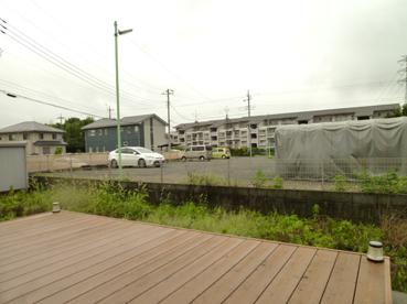 施工前のお庭 駐車場からの視線が気になります