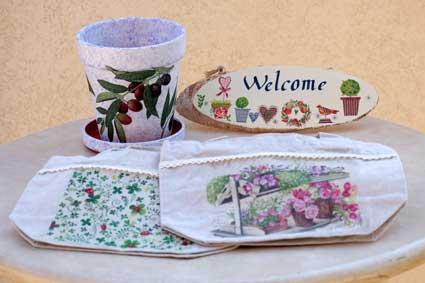 植木鉢、木材、布までデコパージュ