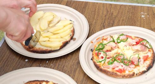 リンゴピザと普通のピザ