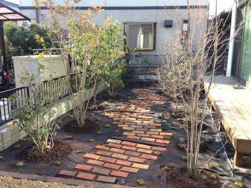 施工直後のお庭