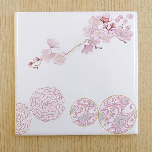 【お正月やお花の時期に飾れるタイルの作品】