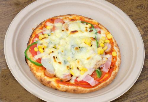 【あっという間にふっくら美味しいピザが完成です】