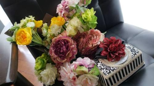 【アクセサリーのお花は当日こちらの中から選べますよ~♪】