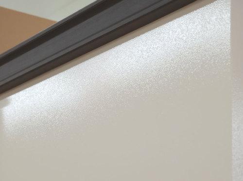 リコは塗り壁調の塗装を施した鋼板