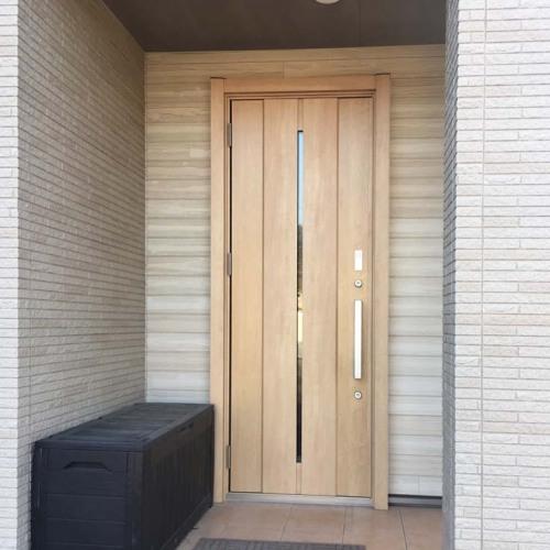 玄関ドアリフォーム後