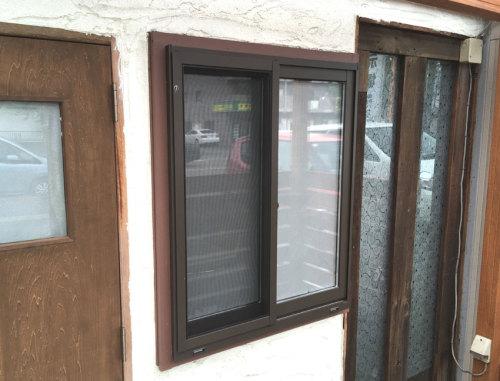 サッシ窓にリフォームした後の写真