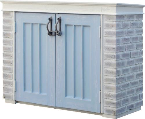 【ミスティ―グレーのレンガとブルーの扉がフォーカルポイントに。大人かわいいお庭に。】