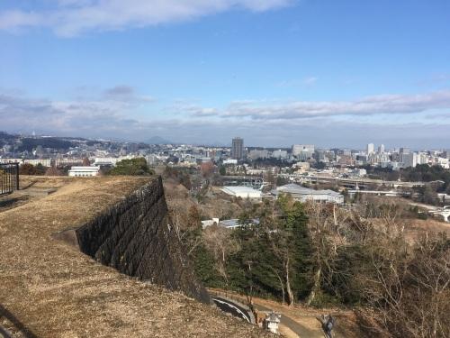 石垣と遠景